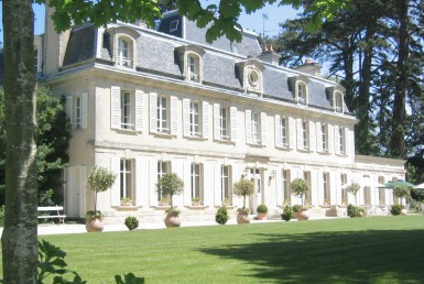 Golf-Expedition-Golf-Reizen-Frankrijk-Regio-Normandië-Chateau-La-Cheneviere-gebouw-boom