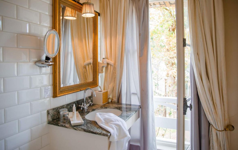 Golf-Expedition-Golf-Reizen-Frankrijk-Regio-Normandië-Domaine-Saint-Clair-spiegel-badkamer