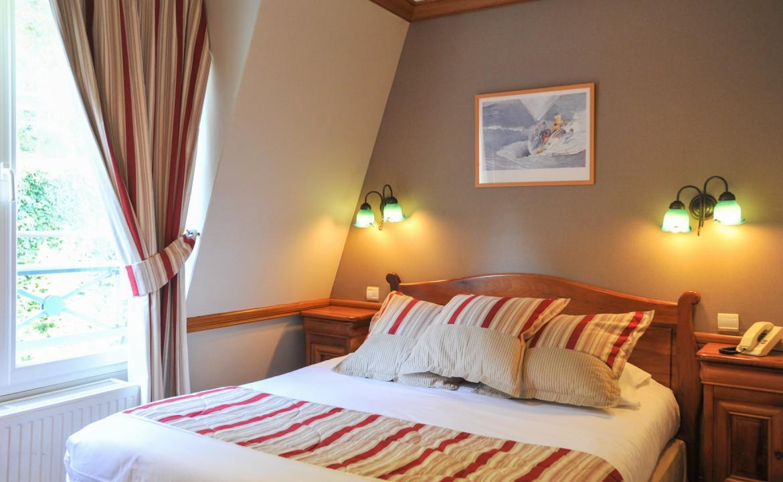 Golf-Expedition-Golf-Reizen-Frankrijk-Regio-Normandië-Dormy House-bed-raam-lampen