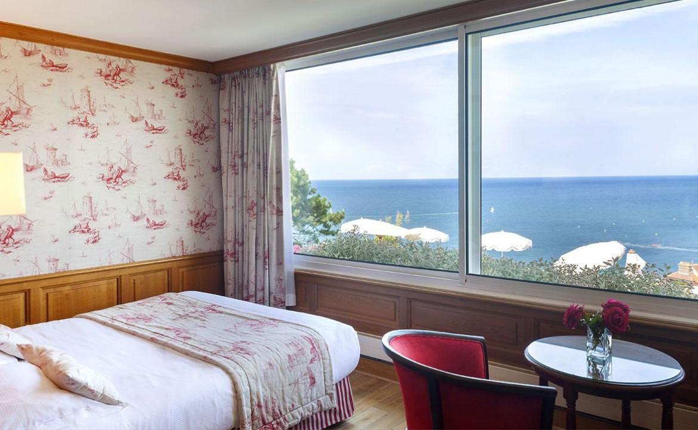 Golf-Expedition-Golf-Reizen-Frankrijk-Regio-Normandië-Dormy House-bed-raam-uitzicht-zee
