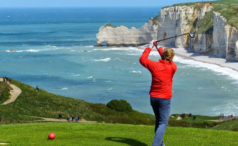 Golf-Expedition-Golf-Reizen-Frankrijk-Regio-Normandië-Dormy House-strand-zee-golfen-rood