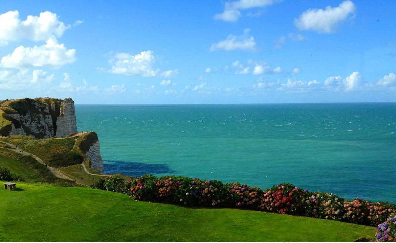Golf-Expedition-Golf-Reizen-Frankrijk-Regio-Normandië-Dormy House-zee-rotswand