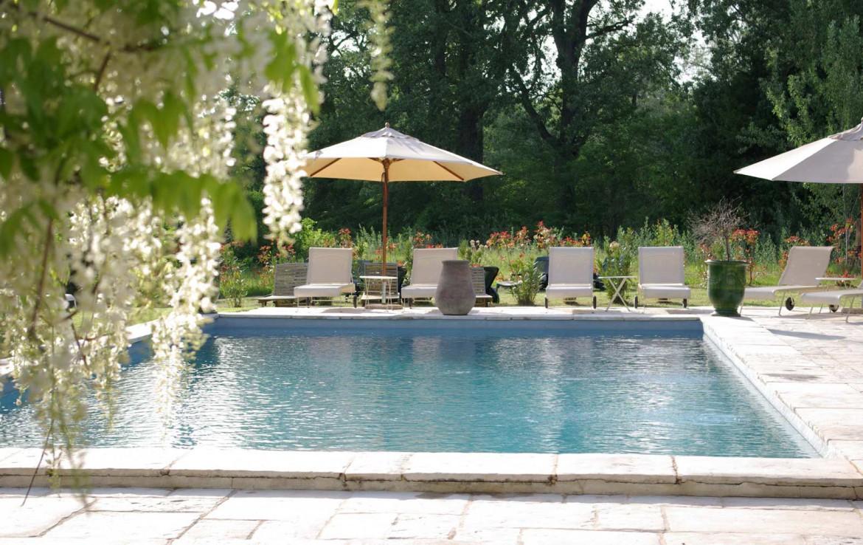 Golf-Expedition-Golf-Reizen-Frankrijk-Regio-Provence-Bastide-Rose-zwembad-stoelen