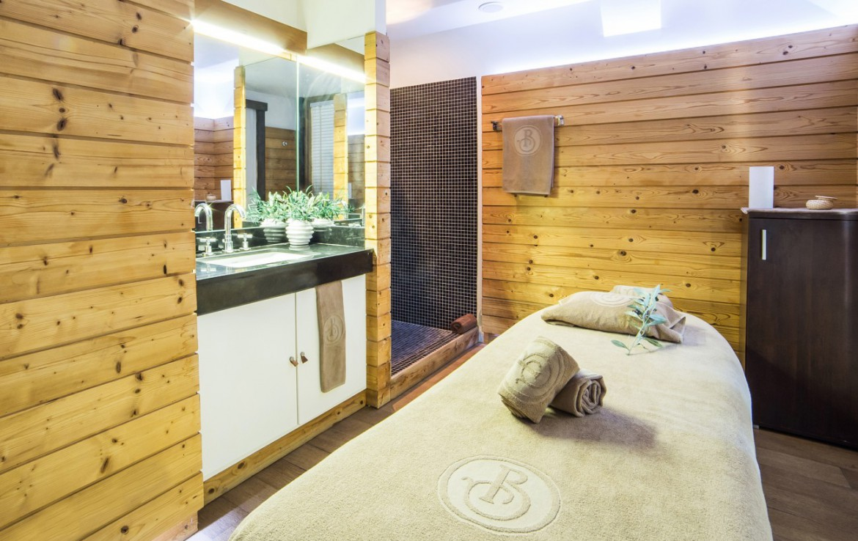 Golf-Expedition-Golf-Reizen-Frankrijk-Regio-Provence-Baumaniere-Baux-de-Provence-massage-kamer
