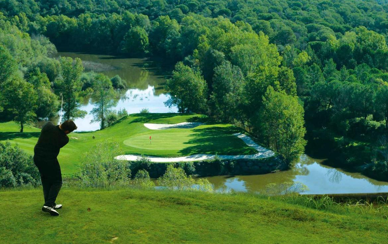 Golf-Expedition-Golf-Reizen-Frankrijk-Regio-Provence-Chateau-de-Berne-golf-water-gras-bomen