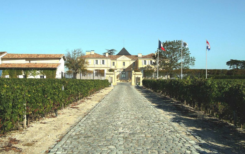 Golf-Expedition-Golf-reizen-Frankrijk-Regio-Aquitaine-Chateau-Du-Tertre-entrance