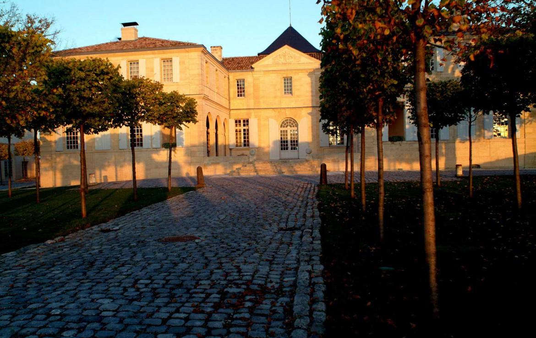 Golf-Expedition-Golf-reizen-Frankrijk-Regio-Aquitaine-Chateau-Du-Tertre-entrance-2