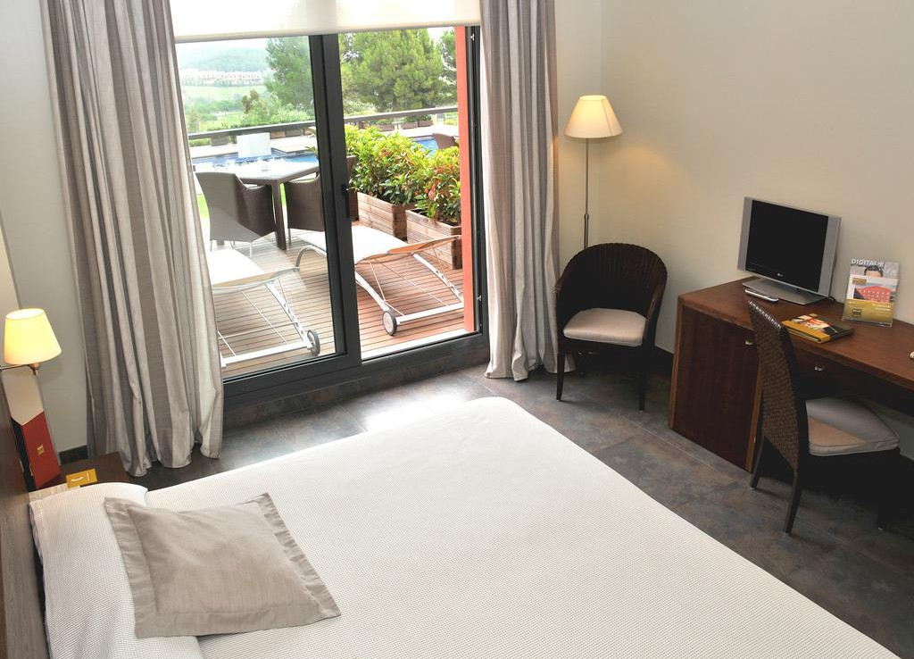 Golf-Expedition-Golf-reizen-Spanje-Regio-Barcelona-Hotel-Barcelona-Golf-Bedroom-2
