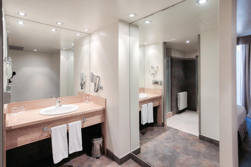 Golf-Expedition-Golf-reizen-Spanje-Regio-Barcelona-Hotel-Barcelona-Golf-bathroom
