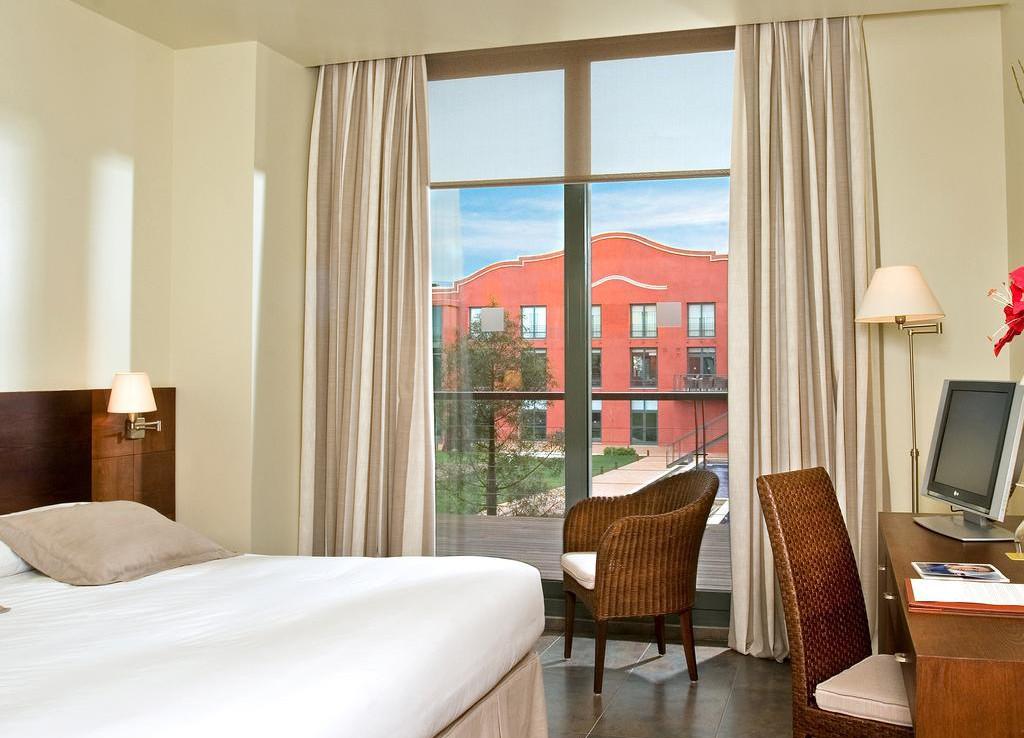 Golf-Expedition-Golf-reizen-Spanje-Regio-Barcelona-Hotel-Barcelona-Golf-bedroom-1