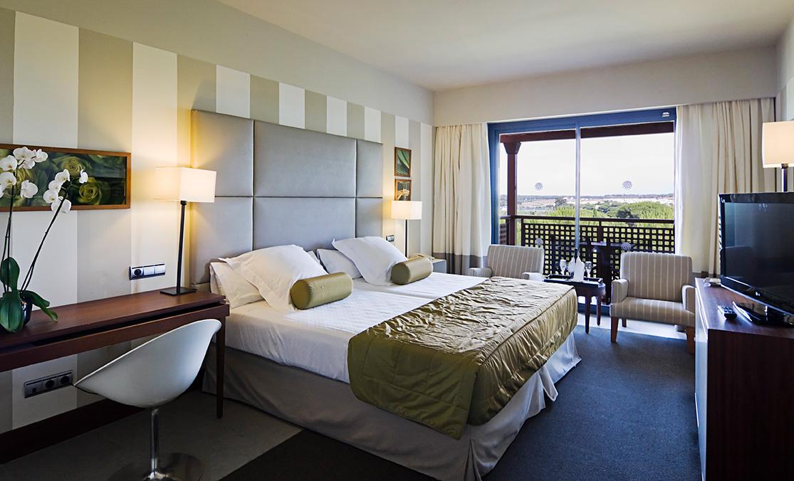 Golf-Expedition-Golf-reizen-Spanje-Regio-Barcelona-Precise-Golf-Resort-El-Rompido-bedroom-1