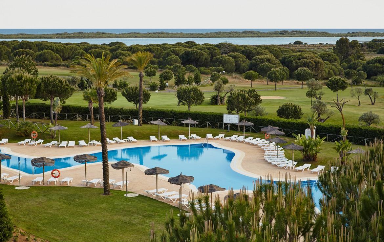 Golf-Expedition-Golf-reizen-Spanje-Regio-Barcelona-Precise-Golf-Resort-El-Rompido-pool-3