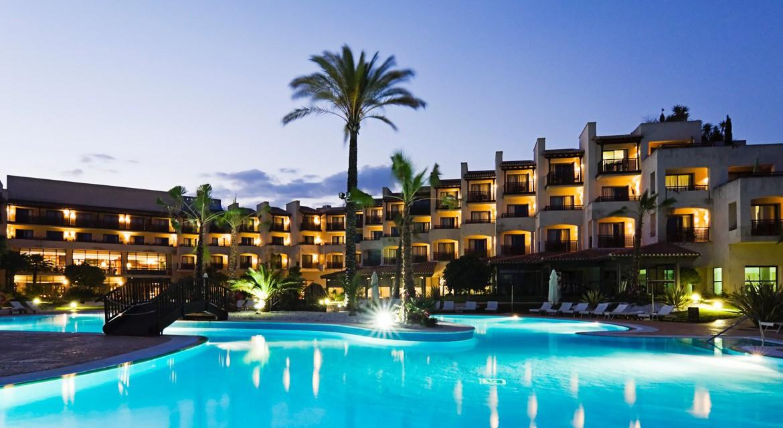 Golf-Expedition-Golf-reizen-Spanje-Regio-Barcelona-Precise-Golf-Resort-El-Rompido-resort-night-view