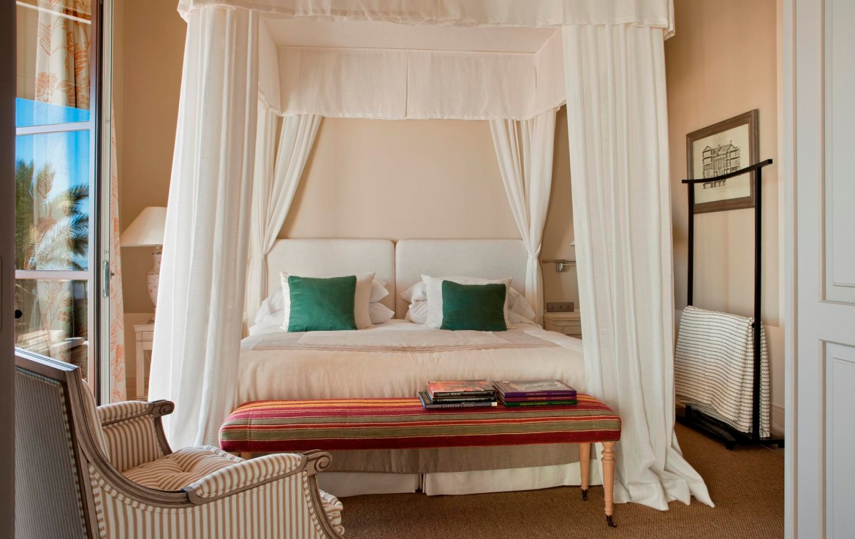 Golf-Expedition-Golf-reizen-Spanje-Regio-Malaga-Finca-Cortesin-Hotel-Golf-&-Spa-master-bedroom