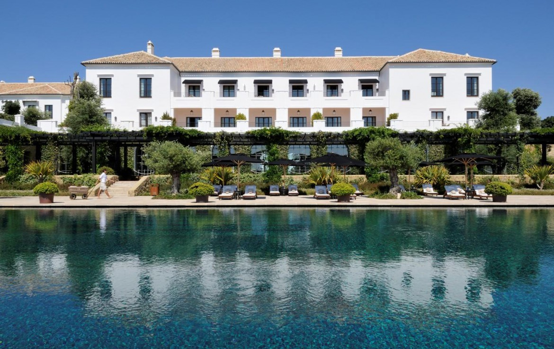 Golf-Expedition-Golf-reizen-Spanje-Regio-Malaga-Finca-Cortesin-Hotel-Golf-&-Spa-pool-resort-view