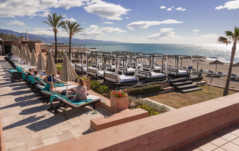 Golf-Expedition-Golf-reizen-Spanje-Regio-Malaga-Hotel-Guadalmina-Spa-&-Golf-Resort-beach-sunbeds