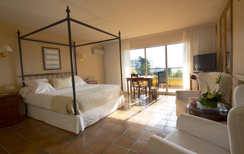 Golf-Expedition-Golf-reizen-Spanje-Regio-Malaga-Hotel-Guadalmina-Spa-&-Golf-Resort-deluxe-bedroom