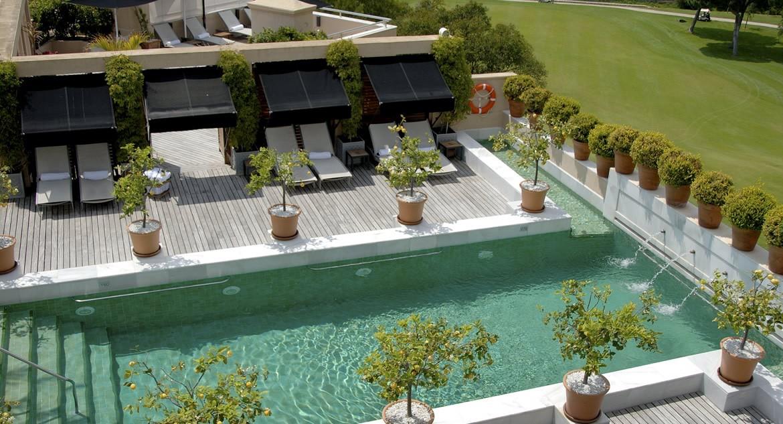 Golf-Expedition-Golf-reizen-Spanje-Regio-Malaga-Rio-Real-Golf-&-Hotel-pool-daytime