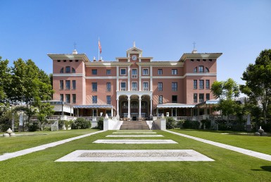 Golf-Expedition-Golf-reizen-Spanje-Regio-Malaga-Villa-Padierna-Palace-Hotel-front-entrance