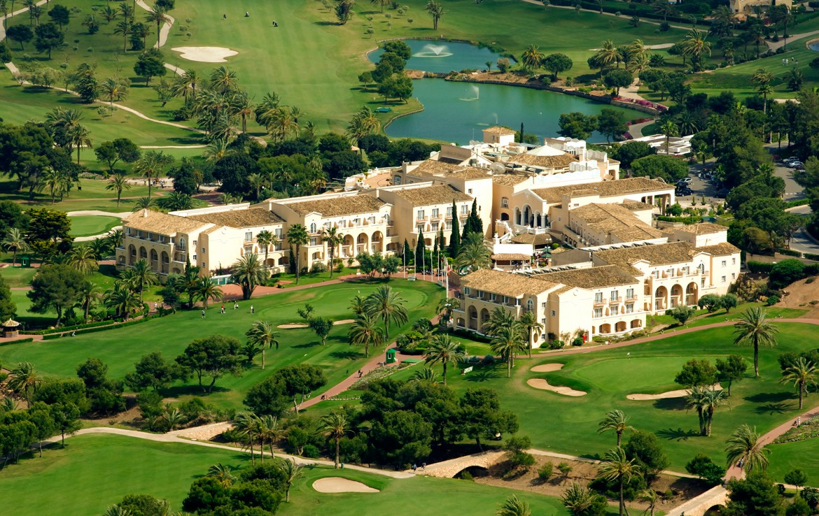 Golf-Expedition-Golf-reizen-Spanje-Regio-Valencia-Hotel-La-Manga-Club-hotel-overview