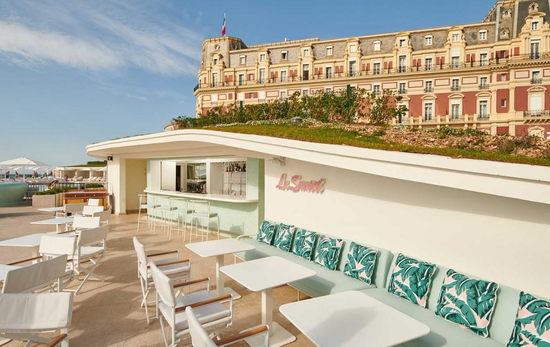 Golf-Reizen-Golf-Expedition-Frankrijk-Regio-Aquitaine-Hotel-du-Palais-pool-bar