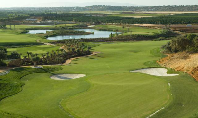 Golf-expedition-golfreizen-golfresort-Amendoeira-Golfbaan-hole-4