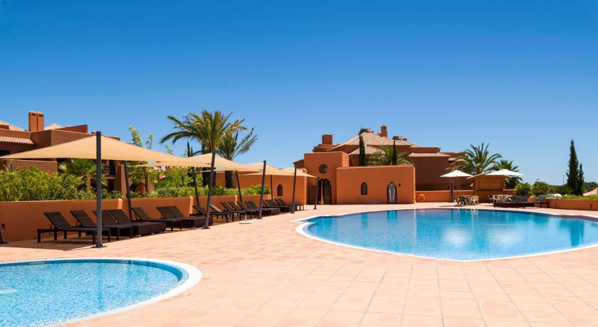 Golf-expedition-golfreizen-golfresort-Amendoeira-Poolside-1