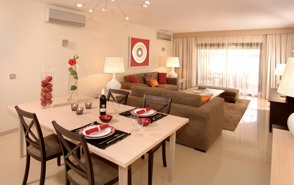 Golf-expedition-golfreizen-golfresort-Amendoeira-eettafel-apartment-1