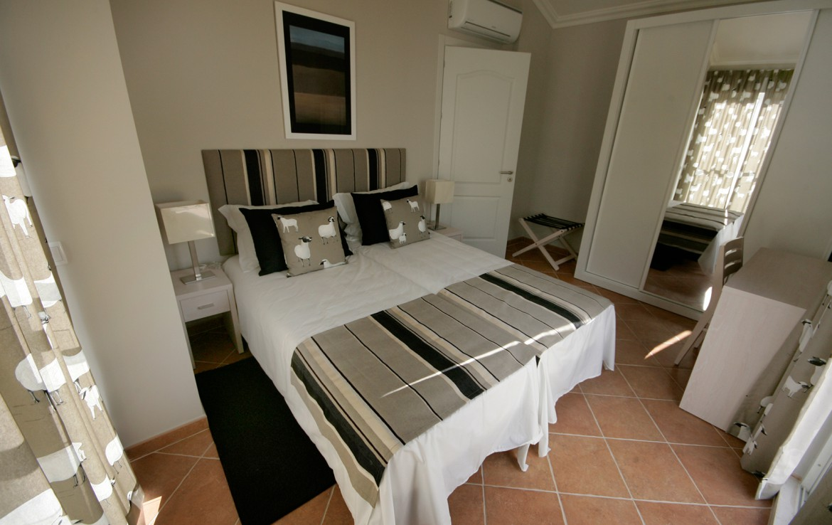 Golf-expedition-golfreizen-golfresort-Castro-Marin-Golfe-&-Country-Club-appartement-bedroom-bed