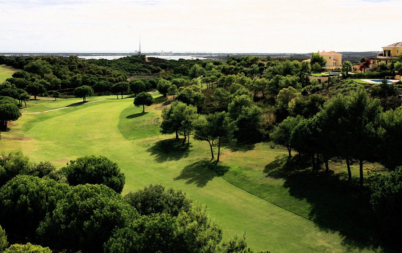 Golf-expedition-golfreizen-golfresort-Castro-Marin-Golfe-&-Country-Club-golfbaan-hole-2-skyview