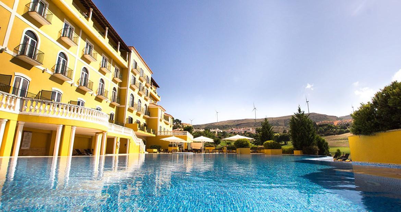 Golf-expedition-golfreizen-golfresort-Dolce-CampoReal-Lisboa-resort-medium-pool-left-view