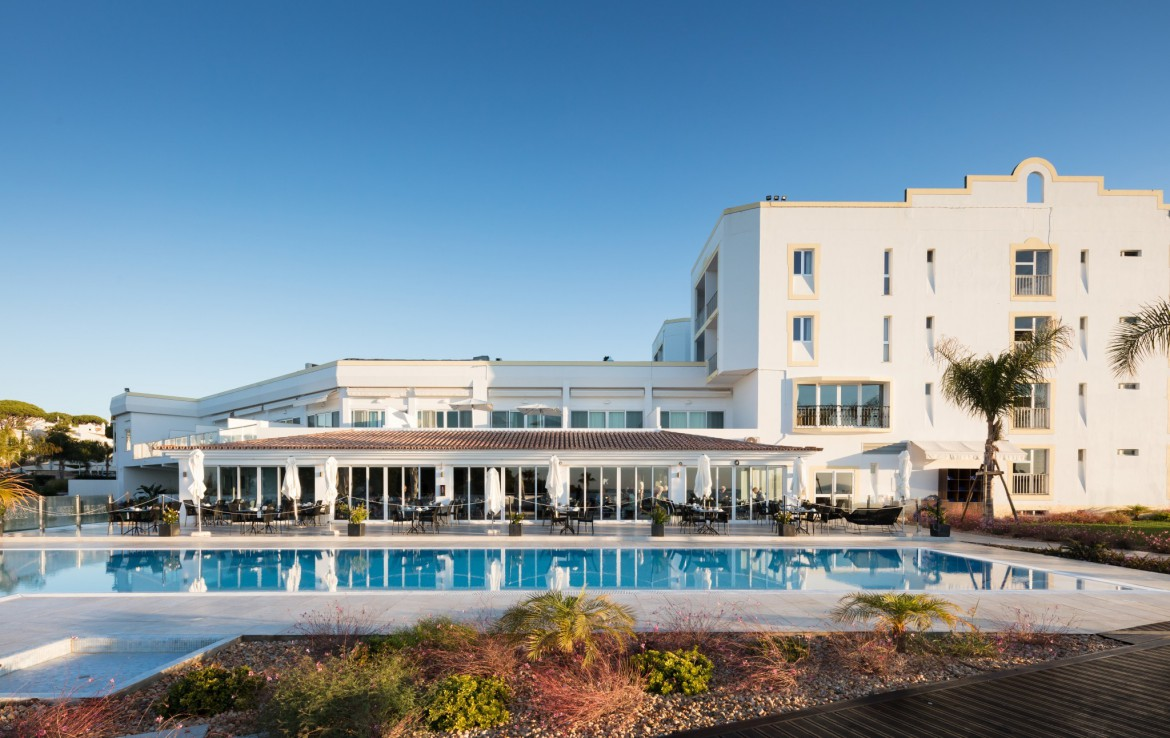 Golf-expedition-golfreizen-golfresort-Dona-Filipa-Hotel-pool-1
