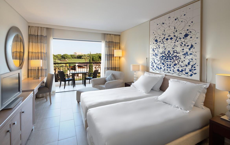 Golf-expedition-golfreizen-golfresort-Hilton-Vilamoura-As-Casatas-Golf-Resort-&-Spa-appartement-bedroom-5