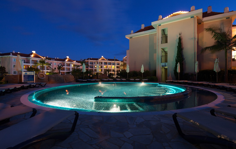 Golf-expedition-golfreizen-golfresort-Hilton-Vilamoura-As-Casatas-Golf-Resort-&-Spa-romantic-pool-view