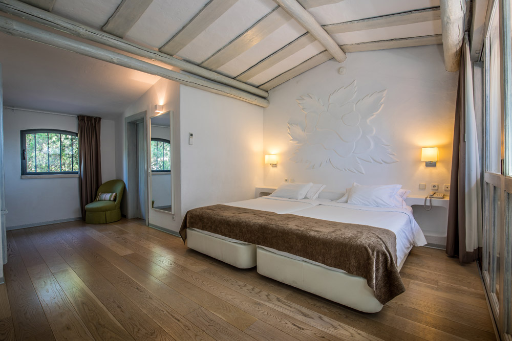 Golf-expedition-golfreizen-golfresort-Hotel-Quinta-de-Marinha-Resort-appartement-bedroom-bed-3