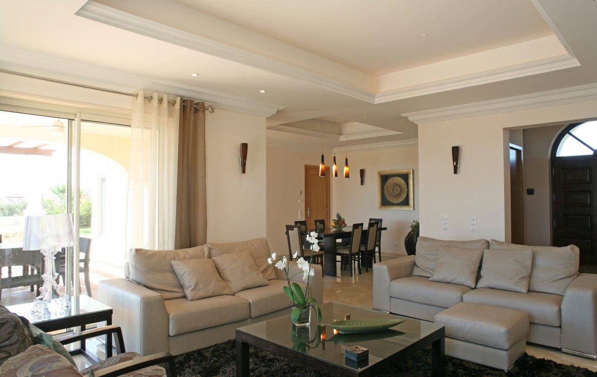Golf-expedition-golfreizen-golfresort-Monte-Rel-Golf-And-Country-Club-appartement-livingroom-2