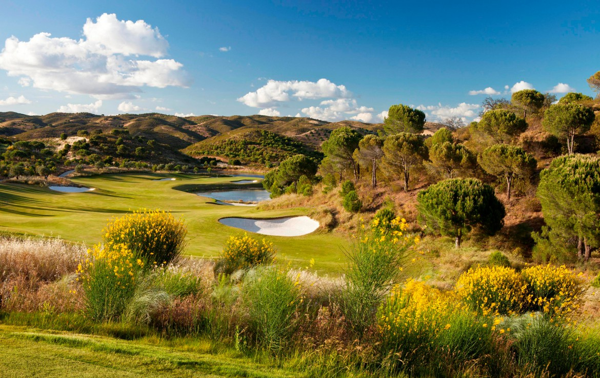 Golf-expedition-golfreizen-golfresort-Monte-Rel-Golf-And-Country-Club-golfbaan-hole-1