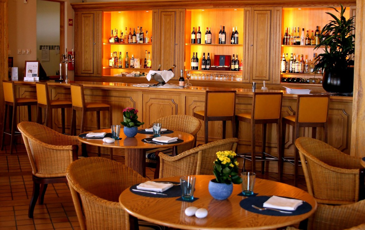 Golf-expedition-golfreizen-golfresort-Monte-Rel-Golf-And-Country-Club-restaurant