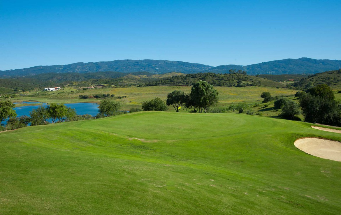 Golf-expedition-golfreizen-golfresort-Morgado-Golf-&-Country-Club-Alamos-6th-green