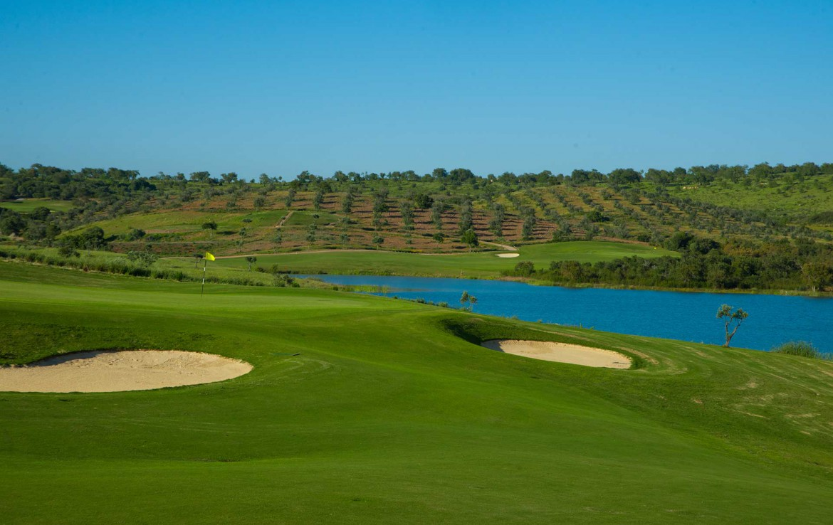 Golf-expedition-golfreizen-golfresort-Morgado-Golf-&-Country-Club-golf-course-hole-2