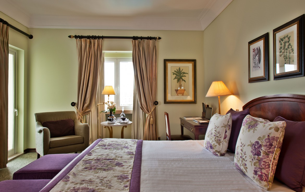 Golf-expedition-golfreizen-golfresort-Palacio-Estoril-Hotel-Golf-And-Spa-appartement-bedroom-1