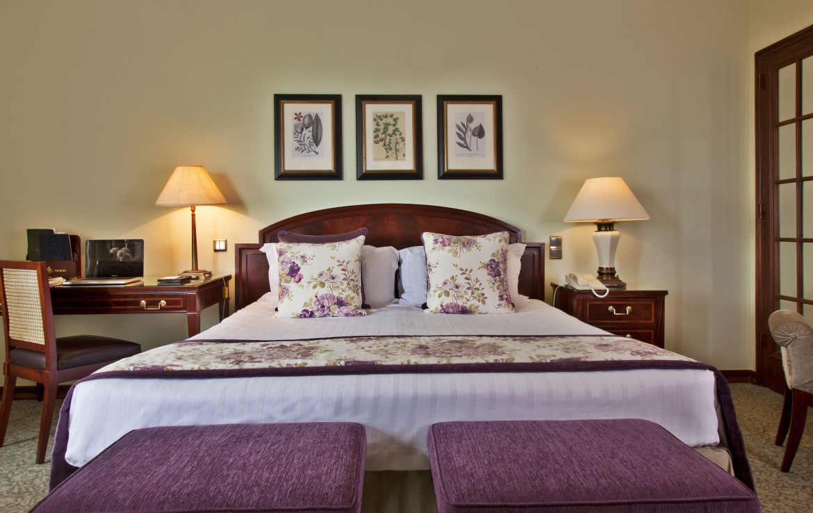 Golf-expedition-golfreizen-golfresort-Palacio-Estoril-Hotel-Golf-And-Spa-appartement-bedroom-2