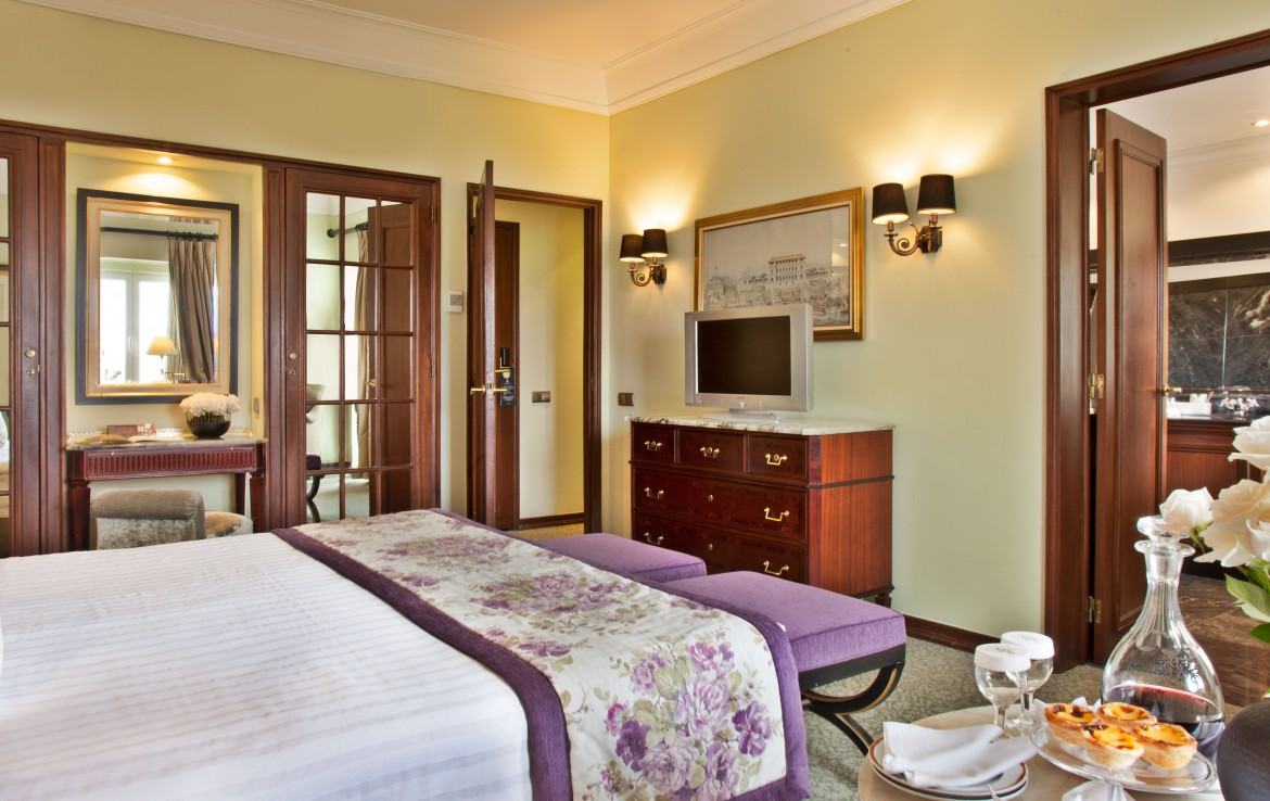 Golf-expedition-golfreizen-golfresort-Palacio-Estoril-Hotel-Golf-And-Spa-appartement-bedroom-3
