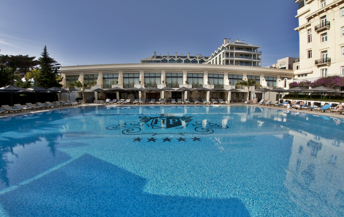 Golf-expedition-golfreizen-golfresort-Palacio-Estoril-Hotel-Golf-And-Spa-resort-pool-front-view