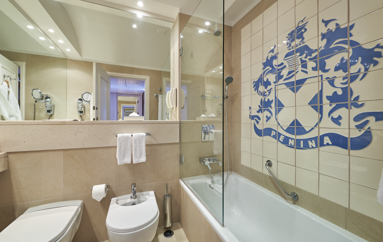 Golf-expedition-golfreizen-golfresort-Penina-hotel-&-Golf-Resort-appartement-bathroom-1