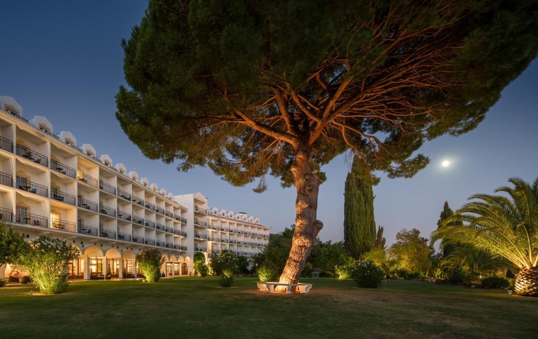 Golf-expedition-golfreizen-golfresort-Penina-hotel-&-Golf-Resort-hotel-view-at-night