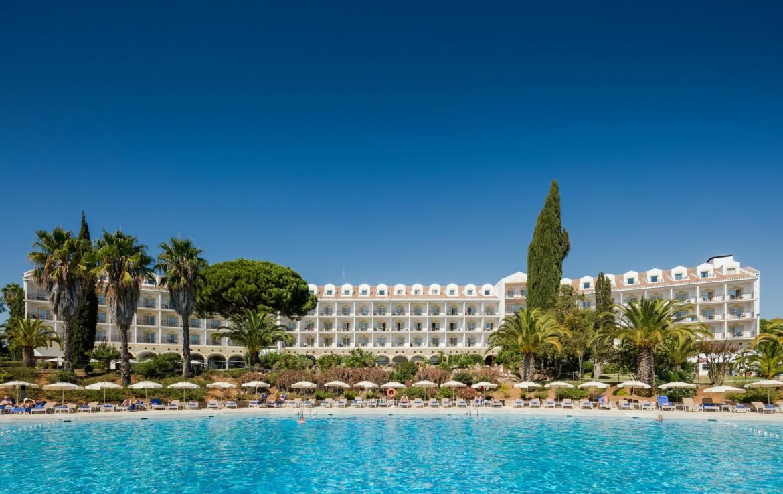 Golf-expedition-golfreizen-golfresort-Penina-hotel-&-Golf-Resort-poolside-2
