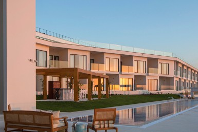 Golf-expedition-golfreizen-golfresort-Royal-Obidos-Spa-&-Golf-Resort-pool-view-with-resort-1