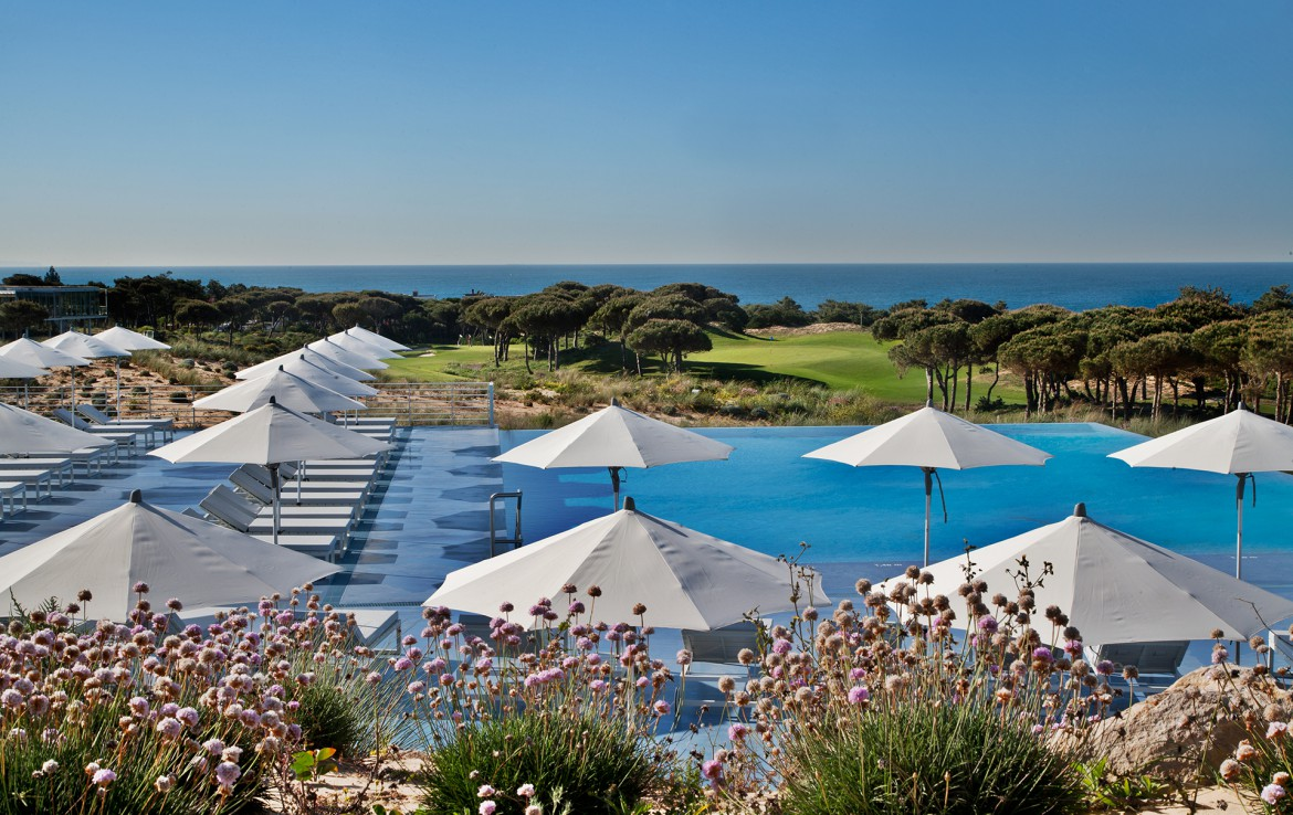 Golf-expedition-golfreizen-golfresort-Royal-The-Oitavos-Hotel-exterior-pool-overview