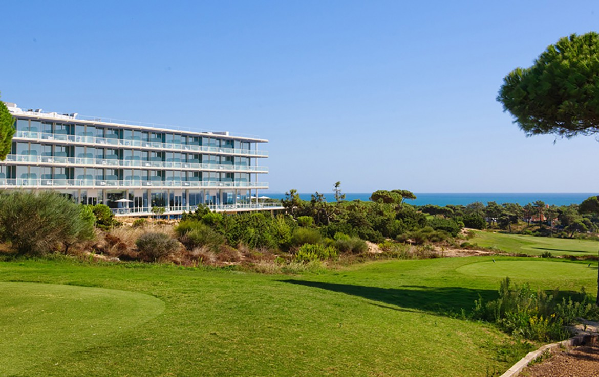 Golf-expedition-golfreizen-golfresort-Royal-The-Oitavos-Hotel-resort-view-over-sea